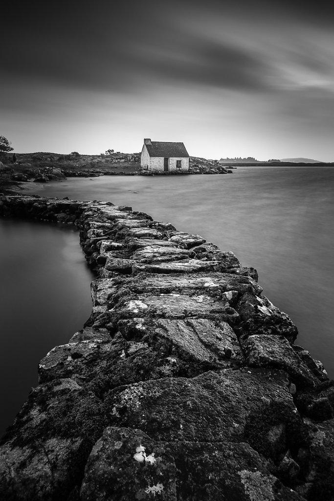 Fishing-House-Ryszard-Lomnicki-1200-bw.jpg